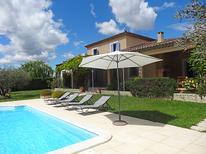 Villa 867611 per 12 persone in L'Isle-sur-la-Sorgue