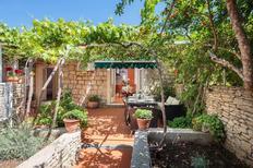 Ferienhaus 871091 für 4 Personen in Sutivan