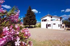 Rekreační dům 872326 pro 9 dospělí + 3 děti v Castel del Piano