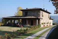 Casa de vacaciones 875387 para 3 adultos + 1 niño en Sariano
