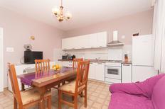 Ferienwohnung 878682 für 8 Personen in Sukošan