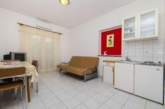 Appartement 879485 voor 4 personen in Grebastica