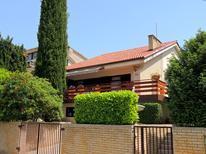 Ferienhaus 882938 für 9 Personen in Radici