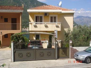 Ferienwohnung 884945 für 4 Personen in Dobrota