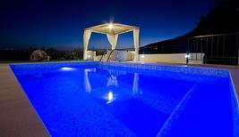 Ferienhaus 885144 für 5 Erwachsene + 1 Kind in Makarska