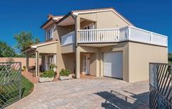 Ferienhaus 886621 für 8 Personen in Loborika