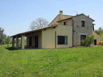 Villa 892187 per 10 persone in Calvi dell' Umbria
