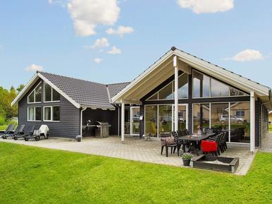 Ferienhaus 893937 für 16 Personen in Fjellerup Strand