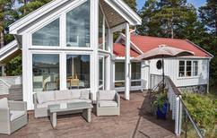 Ferienhaus 894464 für 6 Erwachsene + 2 Kinder in Faervik