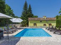 Casa de vacaciones 899440 para 8 personas en Ružići cerca de Labin
