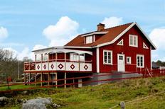 Holiday home 906287 for 7 persons in Virserum