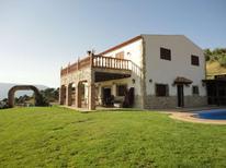 Feriehus 915440 til 12 personer i El Gastor