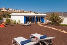 Casa de vacaciones 915898 para 1 adulto + 3 niños en Agaete