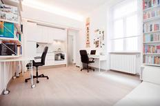 Studio 916378 for 1 adult + 1 child in Milan