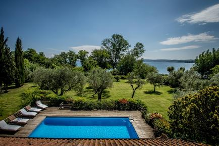 Holiday home 916401 for 8 adults + 2 children in Bracciano