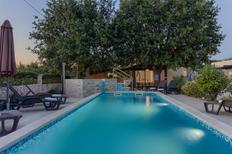 Ferienhaus 927944 für 10 Erwachsene + 2 Kinder in Šišan