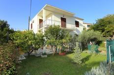 Ferienwohnung 929881 für 6 Personen in Trogir