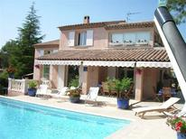 Holiday home 931566 for 8 persons in Saint-Raphaël