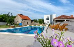 Casa de vacaciones 932794 para 8 personas en Blato na Cetini