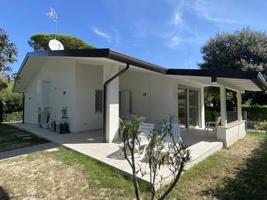 Villa 933403 per 8 persone in Bibione