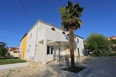 Ferienwohnung 938540 für 2 Erwachsene + 2 Kinder in Zadar
