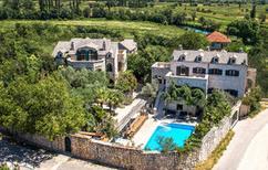 Maison de vacances 939052 pour 20 personnes , Zmijavci