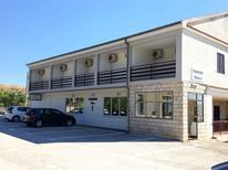 Appartamento 939491 per 3 persone in Rovanjska