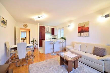 Apartamento 940089 para 2 adultos + 2 niños en Jelsa