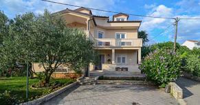 Apartamento 941232 para 8 personas en Sveti Filip i Jakov