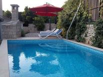 Holiday apartment 942377 for 6 persons in Makarska