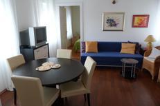 Ferienwohnung 943807 für 4 Personen in Split