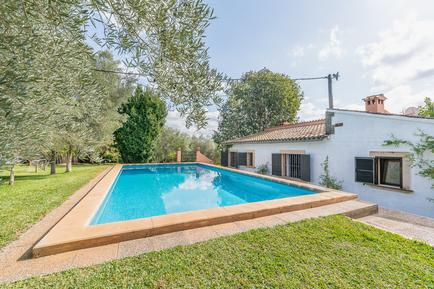 Holiday home 947958 for 8 persons in Alaró