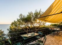 Holiday home 948001 for 10 persons in Quercianella