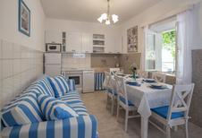 Maison de vacances 948258 pour 6 adultes + 2 enfants , Postira