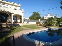 Holiday home 948468 for 8 persons in Les Tres Cales