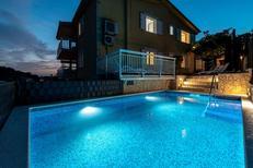 Ferienwohnung 949368 für 5 Personen in Trogir