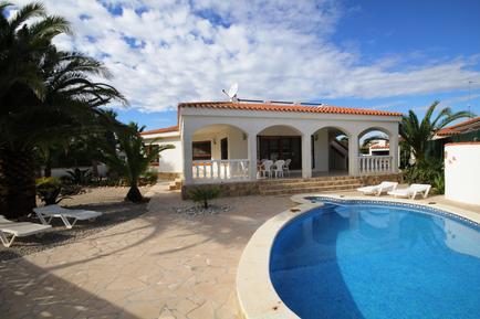 Holiday home 949714 for 4 persons in Urbanitzacio Riumar