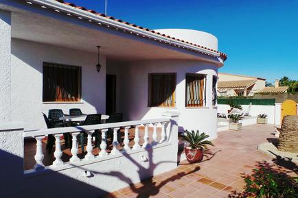 Ferienhaus 949719 für 8 Personen in Urbanitzacio Riumar
