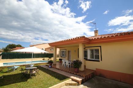 Villa 949736 per 6 persone in Urbanitzacio Riumar