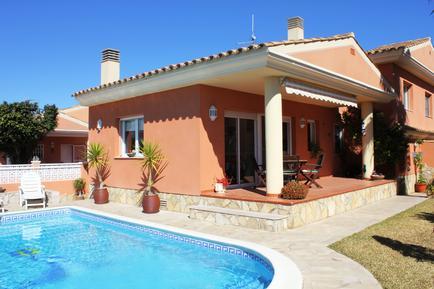 Villa 949737 per 4 persone in Urbanitzacio Riumar