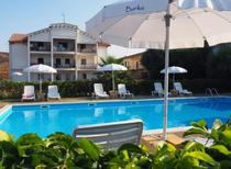 Holiday apartment 949898 for 2 adults + 2 children in Isola di Capo Rizzuto