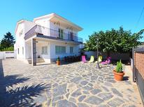 Casa de vacaciones 951145 para 10 personas en Empuriabrava