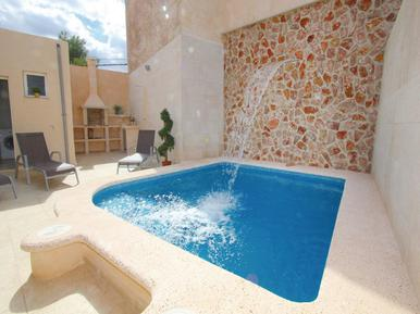 Holiday home 951665 for 5 adults + 1 child in Ariañy