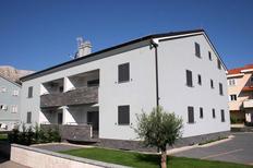 Appartement 951777 voor 6 personen in Baška