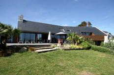Ferienhaus 955856 für 10 Personen in Plouhinec bei Quimper