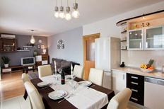 Vakantiehuis 956123 voor 8 personen in Podstrana
