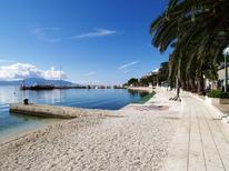 Holiday apartment 956380 for 2 adults + 2 children in Gradac