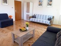 Holiday apartment 956651 for 7 persons in Trogir
