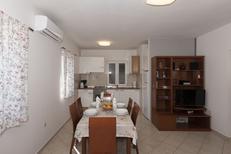 Appartement 963113 voor 6 personen in Ražanac