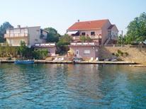 Appartement 966159 voor 4 personen in Novigrad